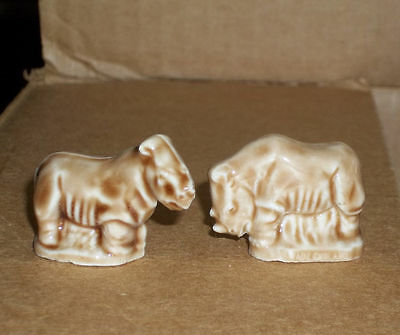 2 pieces Wade England Noahs Ark Series 2002-2006  Red Rose Tea  RHINOS