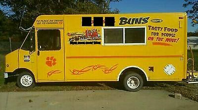 FOOD TRUCK Trailer Bbq  burgers good condition