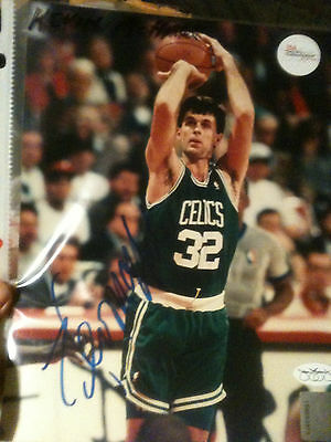 Kevin McHale Signed Basketball Photo 8x10