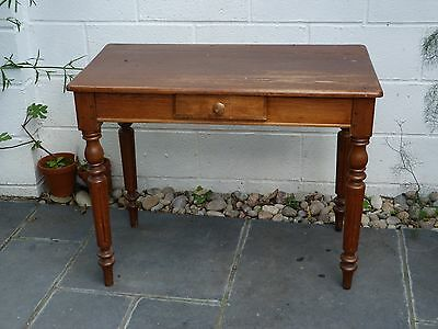 Vintage wooden small table/desk