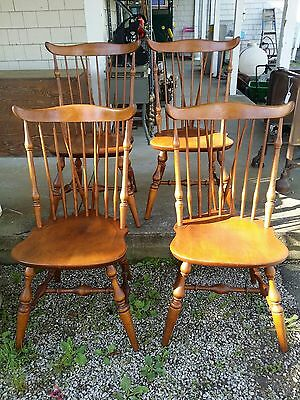 NICHOLS & STONE SET OF 4 WINDSOR BRACE BACK MAPLE DINING SIDE CHAIRS and table