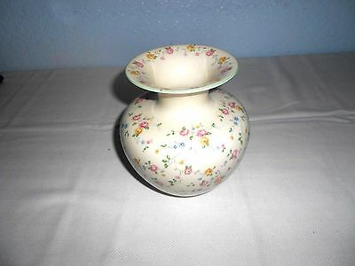 """Beautiful Weimar Hand Painted 6 1/2"""" Porcelain Vase with Pink/Red Roses"""