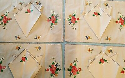 New Vintage Set 4 Linen applique Place mats and Embroidered napkins