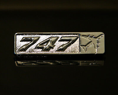 Pin BOEING 747 Rectangle Label for Pilots Crew Maintenance metal silver pin