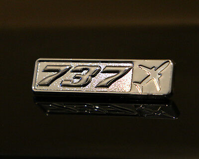 Pin BOEING 737 Rectangle Label for Pilots Crew Maintenance metal silver pin B737