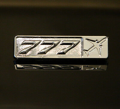 Pin BOEING 777 Rectangle Label for Pilots Crew Maintenance metal silver pin