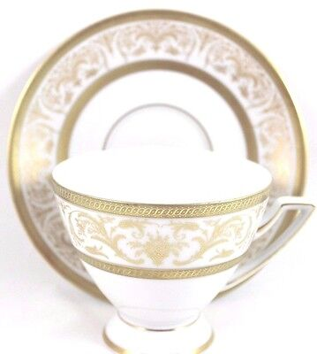 8 Sets Vintage Jaeger China Arabesque Footed Cup Saucer Raised Gold Encrusted