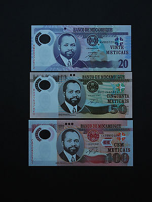 MOZAMBIQUE BANKNOTES STUNNING 2011 SET OF THREE  p149-151   WILDLIFE    MINT UNC