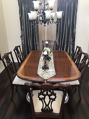 Ethan Allen Mahogany dinning table w/6 chippendale style chairs  w/ 2 inserts=10