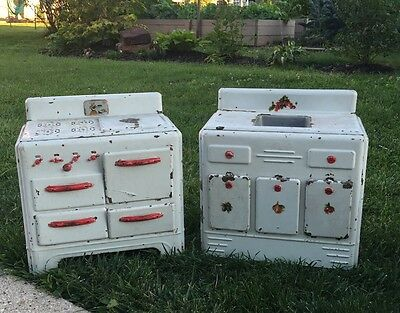 VINTAGE METAL TOY CHILDS KITCHEN PLAY Stove Sink