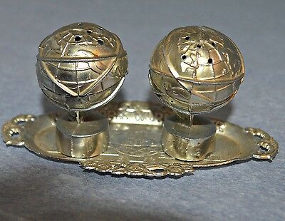 Vintage Silver 1964-1965 New York World's Fair Salt and Pepper Shakers With Tray