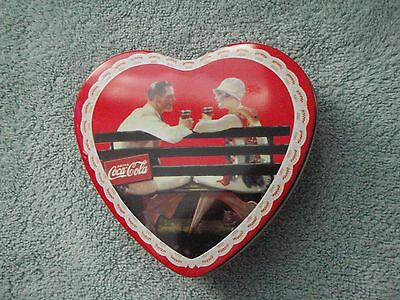 """Vintage COLLECTIBLE COUPLE SITTING ON PARK BENCH HEART SHAPED COCA COLA TIN 5"""""""