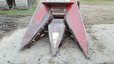 Gehl TR600 Narrow 2 Row Corn Head