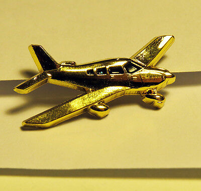 PIN PIPER AIRPLANE Arrow Archer pilot gift for private pilot lapel pin 30mm