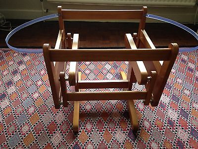 Rocker/glider stand for moses basket, very good condition