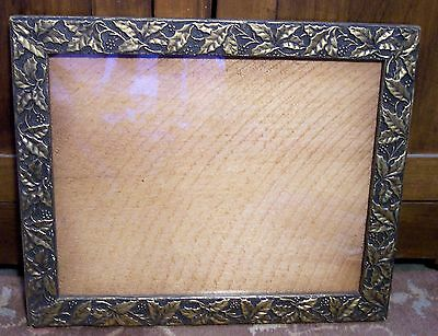vtg antique wood gold gesso holly leaves leaf berries picture frame 12x15 photo