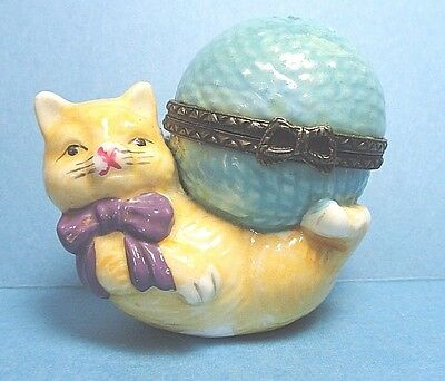 Porcelain Cat With Ball of Yarn Hinged Trinket Box