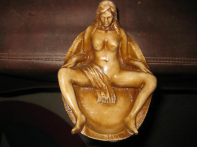 Mw.323M: Vintage Unique Large Erotic Scene On Top On Ash Wood Walking Stick Cane