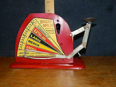 Country  Ol Farm Antique Style Brower Mfg Co. Chicken Hen Weight Egg Scale