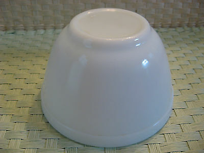 Vintage Pyrex Oven Ware Opal White #401 Mixing Bowl - Made In Usa - Nice!