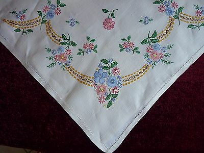 Lovely Vintage Hand Embroidered Irish Linen Tablecloth.