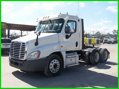 2011 Freightliner Cascadia CA125 Used Day Cab