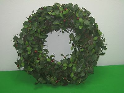 """Green Leaf Red Berry Holly Christmas Door Wreath 22"""""""