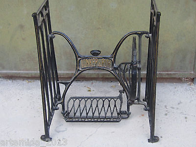 ANTIQUE German CAST IRON BASE TREADLE SEWING MACHINE BRITANNIA/ JUNCER & RUH