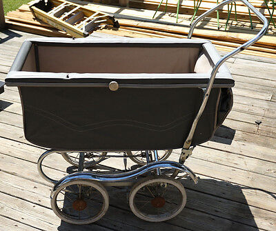 Vintage  Stroll-O-Chair Baby Stroller Carriage with Chrome Fenders