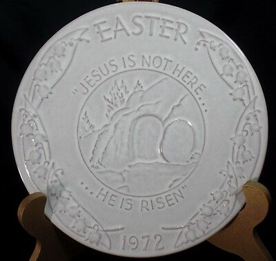 Frankoma Hanging Plate Easter Jesus is not Here He is Risen 1972 White
