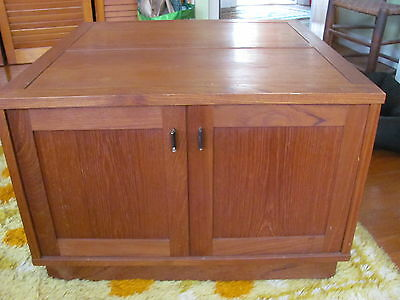 Danish Modern Teak Two Door Low Cabinet or Coffee / Side Table by Morredi