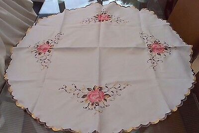 """Round Vintage Style White Tablecloth With Embroidered Roses ~ 32"""" In Diameter"""