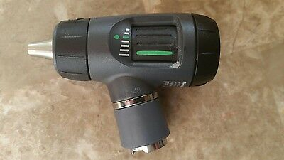 Welch Allyn 3.5V Macroview Otoscope #23810 .