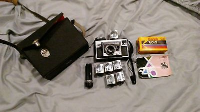Vintage Kodak Instamatic X45 Color Outfit Camera With Case + Flash Cube + Manual