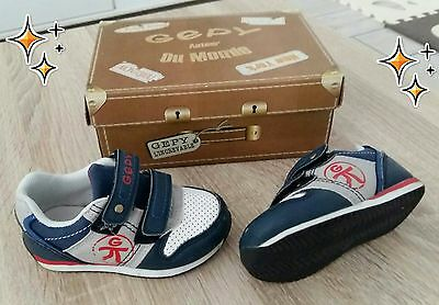 Baskets chaussures GIPY pointure 21 tbe collection 2016