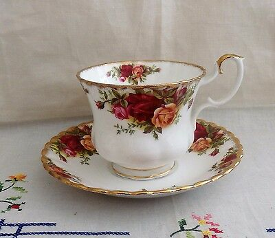 Estate English Royal Albert Old Country Roses Big Breakfast Tea Cup & Saucer