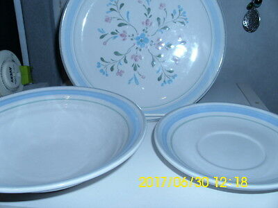 Fascino Stoneware saucer, cereal, salad lot of 5 pieces