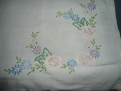 """A  Pretty White Hand Embroidered  Tablecloth 33"""" X 30"""""""