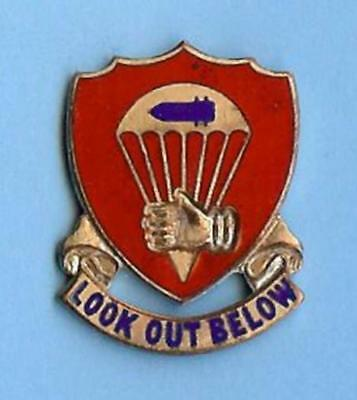 US Army Distinctive (DI DUI Crest) Pin Badge--376th Airborne Field Artillery Bn.