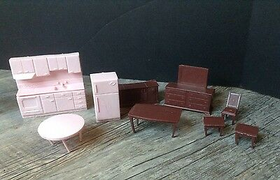 Lot of Vintage Molded Plastic Dollhouse Furniture Kitchen Console TV & More