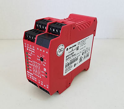 Allen Bradley MSR138DP Guard Master Safety Relay Cat No. 440R-M23143 Ser. B
