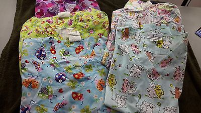Lot Of 6 Women's Scrub Tops Size XS/S Butterfly Dogs Cats hearts ladybugs