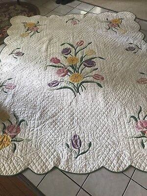 Beautiful Vintage 1930s Floral Applique Quilt Unused 9 - 10 SPI !!!