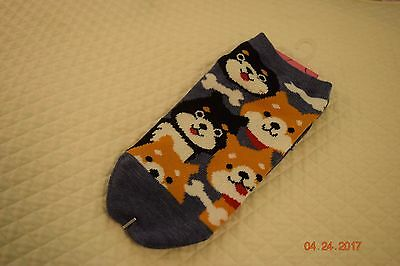 SHIBA INU ankle high socks for ladys, Navy background.