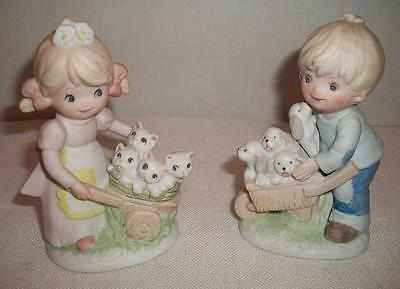 2 HOMCO 1402 Figurines - Girl with Kittens and Boy with Puppies