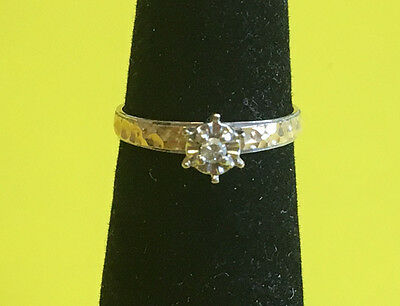 14K Yellow Gold Beautiful Ring with Diamond Size 5 1/4 Ring 1.57 Grams