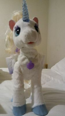 Fureal Friends Fantasy Collection: Starbeam My Walkin' Unicorn Pet