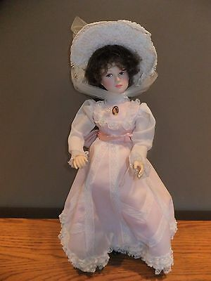 EFFANBEE DOLL The Little Old New York Madison Park  #7303-  1985