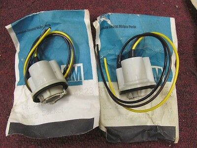 NOS 69 70 71 72 Camaro Chevelle Parking Lamp Sockets 8914823 Pair