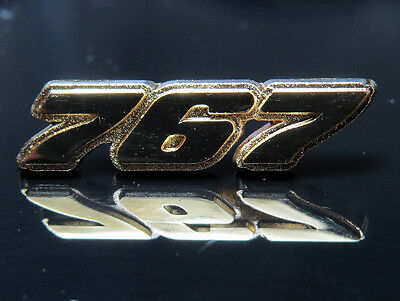 Pin Boeing 767 Logo Numbers 25mm Pin Gold for Boeing Pilots Crew B767